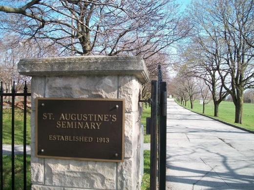 St Augustine's Kingston Road, Scarborough, entrance