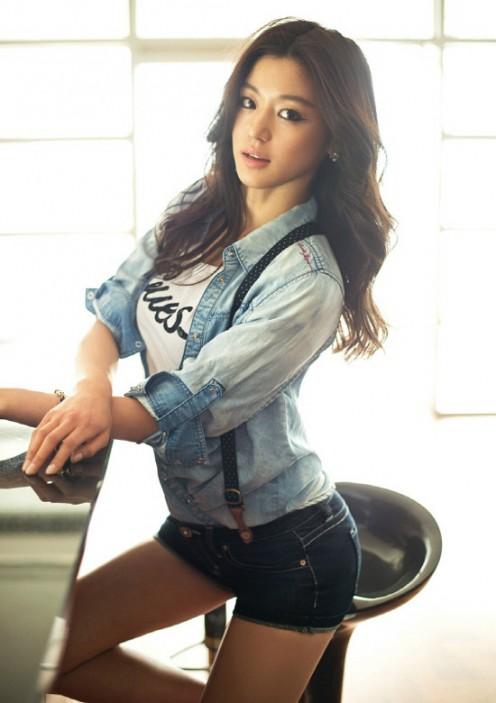 Bewitching Jun Ji-hyun, sometimes known as Gianna Jun, is a South Korean actress.