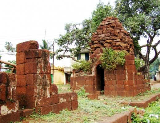 An uinfinished/destroyed abandoned temple at Khandra