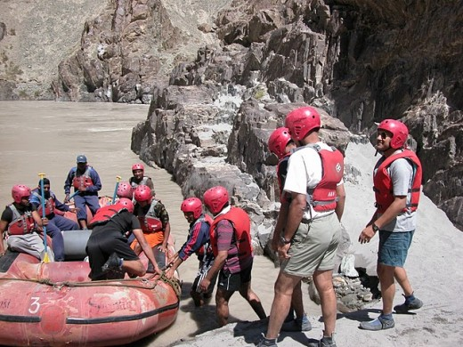 River rafting by the Indus river