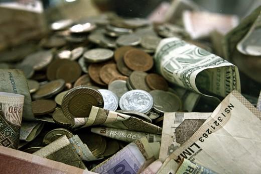 The Art of Money Getting.  PT Barnum  Image: lickr.com/photos/epsos/5394616925/