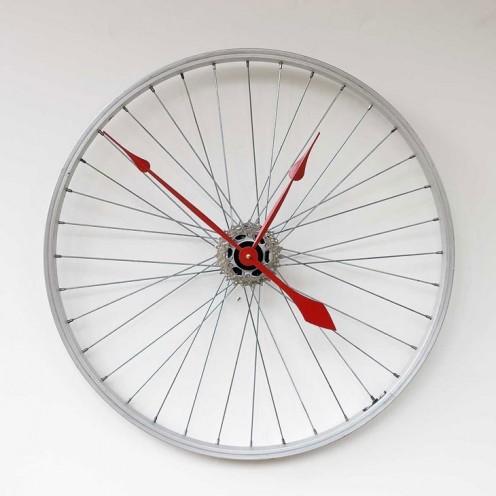 Cool clock made from a bike rim