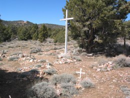 a Mining community in Doble had this poignant little pioneer graveyard.