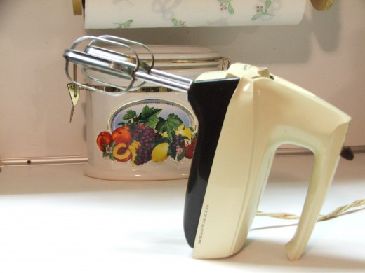 Hand mixers are home appliances in most kitchens.