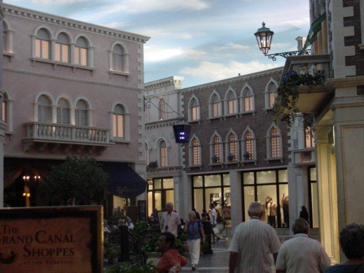 Shops nside the Venetian Hotel