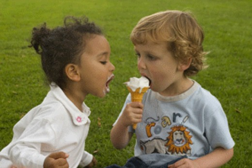 kids eating ice cream!
