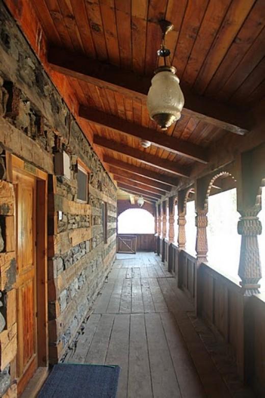 Naggar Castle - where Kareena performed ye ishq haiye baithe bhataye jannat dikhaye..