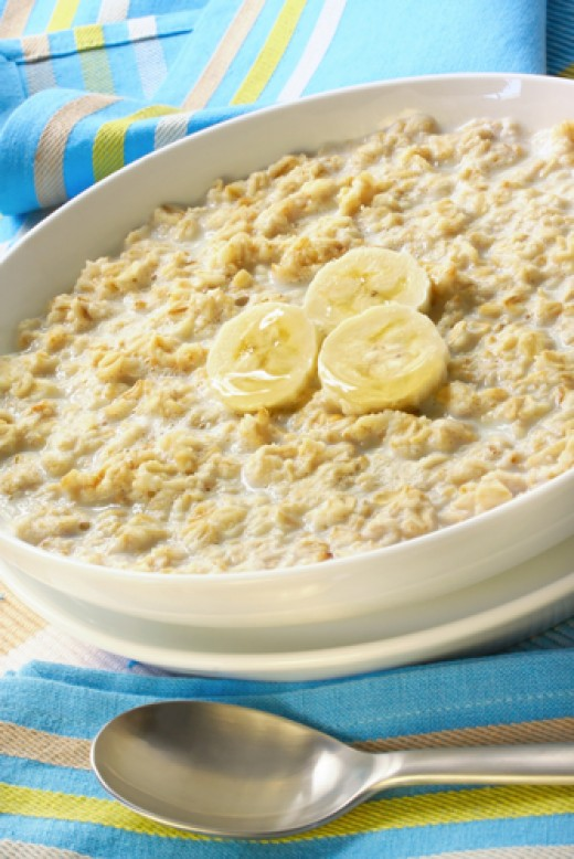 Oatmeal Porridge with Banana. Image:  Robyn Mackenzie|Shutterstock.com