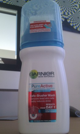 Garnier Pure Active Exfo-Brusher Face Wash