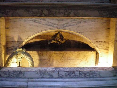 Raphael's tomb (c) A Harrison