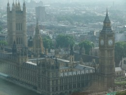 Picture of the Houses of Parliament and Big Ben.  It's not a good photo by any means - the light was all wrong and the glass of the pod reflects slightly.