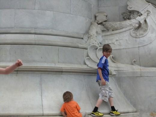 Climbing on the Victoria Memorial