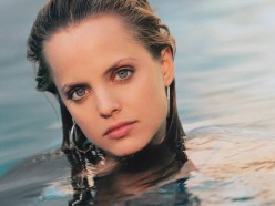 Beauty Beyond Compare: Young Actress Mena Suvari... The Blonde, The Brunette, The Redhead