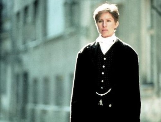 movie review yentl Reviewed on: august 31st, 2003 mandy patinkin and barbra streisand in yentl consider first that barbra streisand is in every scene except one consider also that she sings every song in this musical she also directed and produced this movie in other words, it greatly helps to be a streisand fan when watching this,.