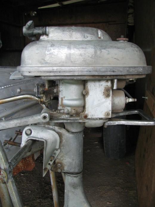 Wizard 1954 WG4 Super Twin Outboard Motor