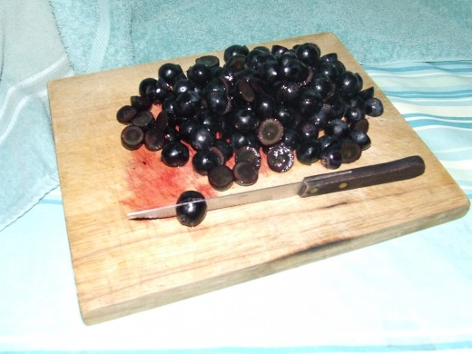 About 2-3 cups of cut Black Seedless Grapes.