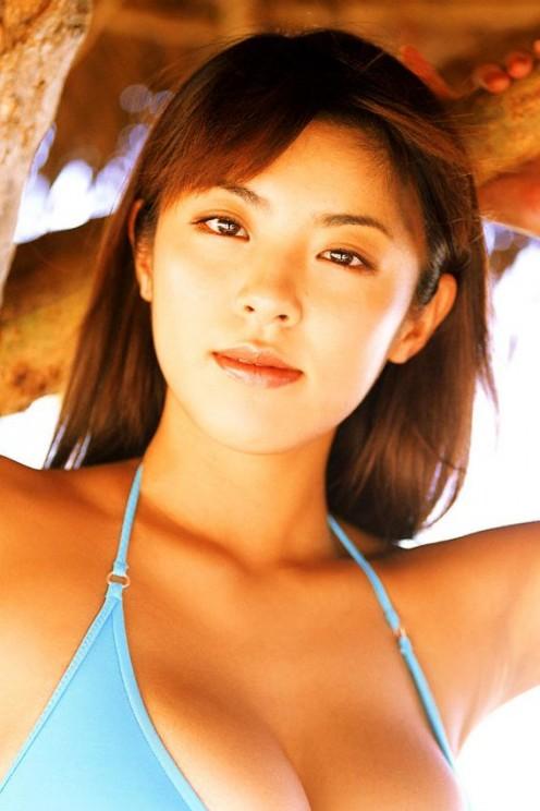 Harumi Nemoto is one of Japan's hottest bikini models (known as gravure idols there).