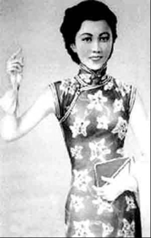 Shanghai Career Woman in 30's
