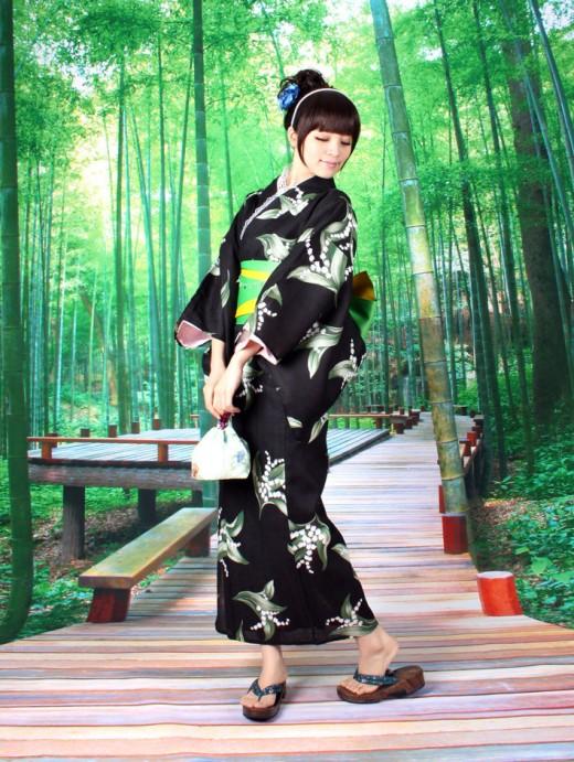 """Yukata:""""bathing"""" kimono"""