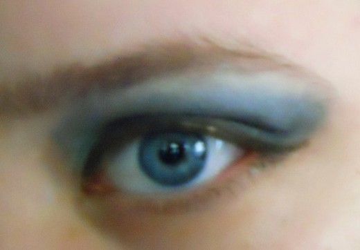 The Look With the Drug Store Pallet and Almay's Eye-brightener Eyeshadow Base