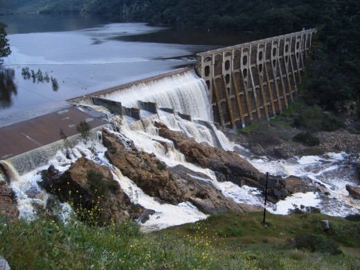 Lake Hodges Dam, Overflow 2005