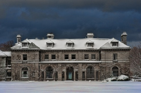 Eolia mansion in winter