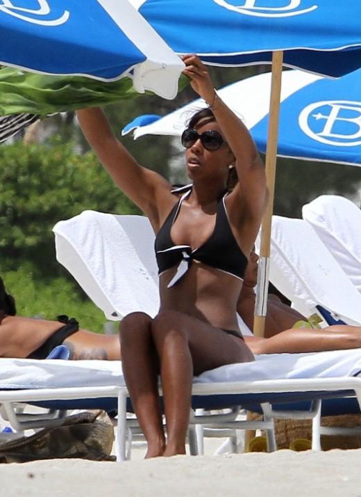 Kelly Rowland bikini