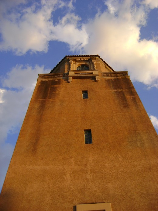 El Conquistador Water tower