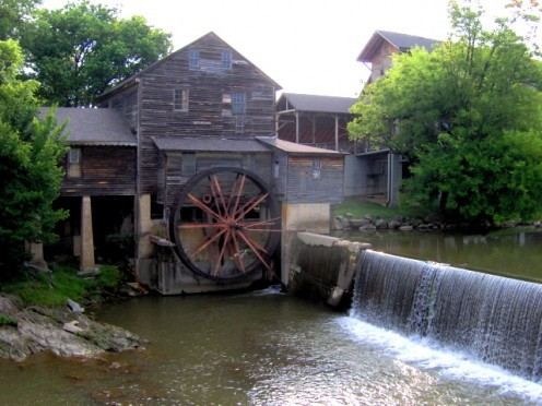 The oldest building in Pigeon Forge TN, the Old Mill.