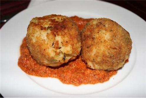 Arancini: Italian rice balls