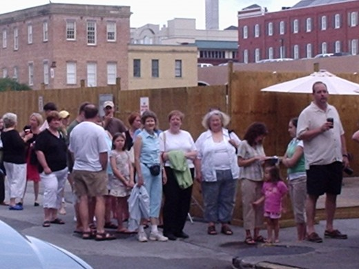 Plan on a long line and long wait to eat at Paula Deen's Lady & Sons