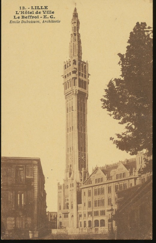 Old postcard of Lille City Hall's belfry
