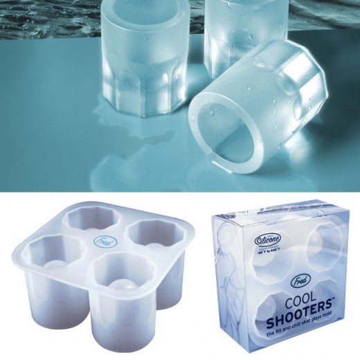 Instead of putting the ice in your drink, you can put your drink in the ice with these shot glasses made of ice