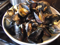 How to Make Moules Marinières - A Simple Mussels in White Wine and Cream Recipe
