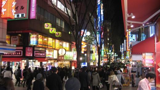 Kabuchiko entrance at night