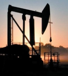 Crude Oil Market Faces Intervention and Political Risks