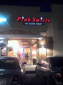 Restaurant Review: Pink Swirls Live Culture Yogurt earns a Thumbs UP!!