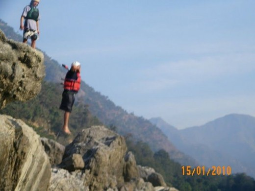 Cliff jumping in Rishikesh