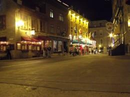 You will find hundreds of good restaurants in Quebec.
