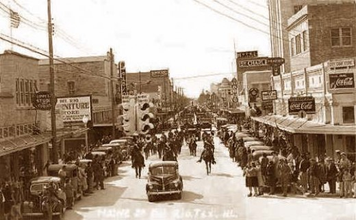 Parade on Main Street, looking south toward the Piggly-Wiggly end of the street :-)