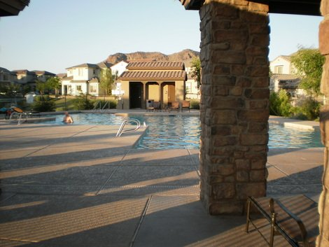 Phoenix has oodles of backyard and community pools perfect for wet summer fun!