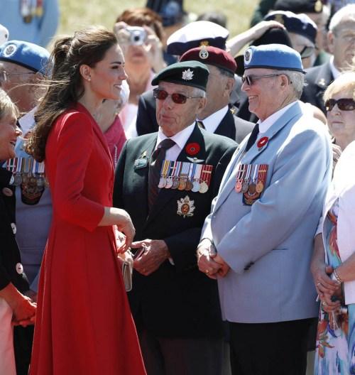 Catherine speaking with veterans before leaving Calgary