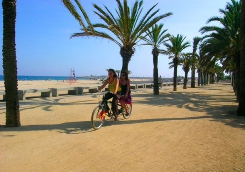 Share a tandem bike ride along the strand with a friend and enjoy the climate and weather of the Barcelona coast.