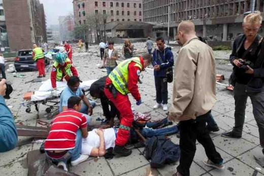 Witnesses Oslo's recent bombing scramble to give aid to the injured.