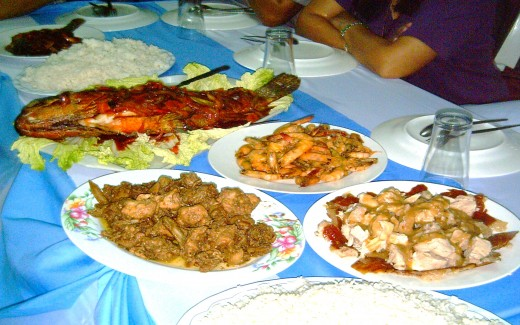 Tropical Long Table (Photo by Travel Man)