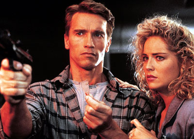 Arnold and Sharon in the original Total Recall