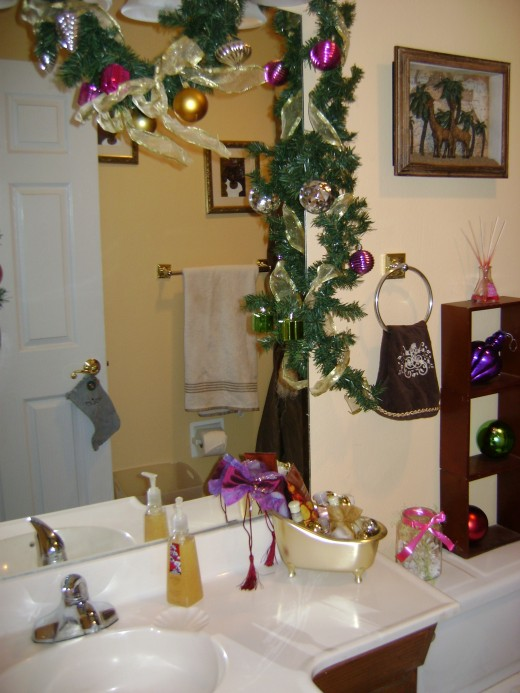 Hall bath sink area