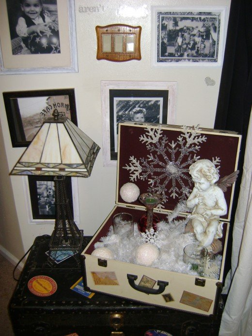 Dining room, Suite case decorated with a snow theme