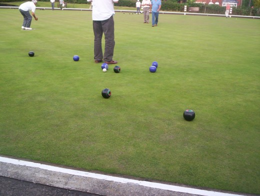 The final position, with all bowls delivered