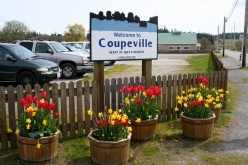Welcome to Coupeville sign at Tyee Restaurant